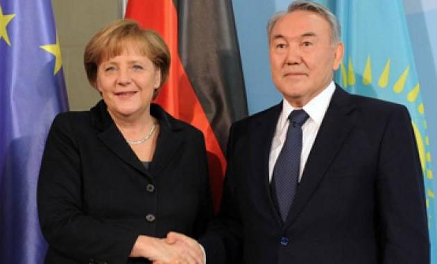 Президент Казахстана поздравил Ангелу Меркель