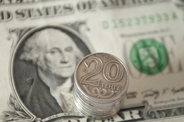Объем торгов подоллару резко вырос до $222млн