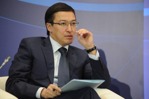 Данияр Акишев: Люди, покупающие валюту, будут впроигрыше