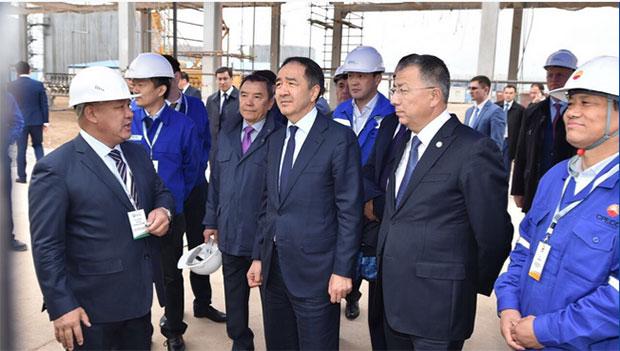 Бакытжан Сагинтаев посетил Шымкентский НПЗ