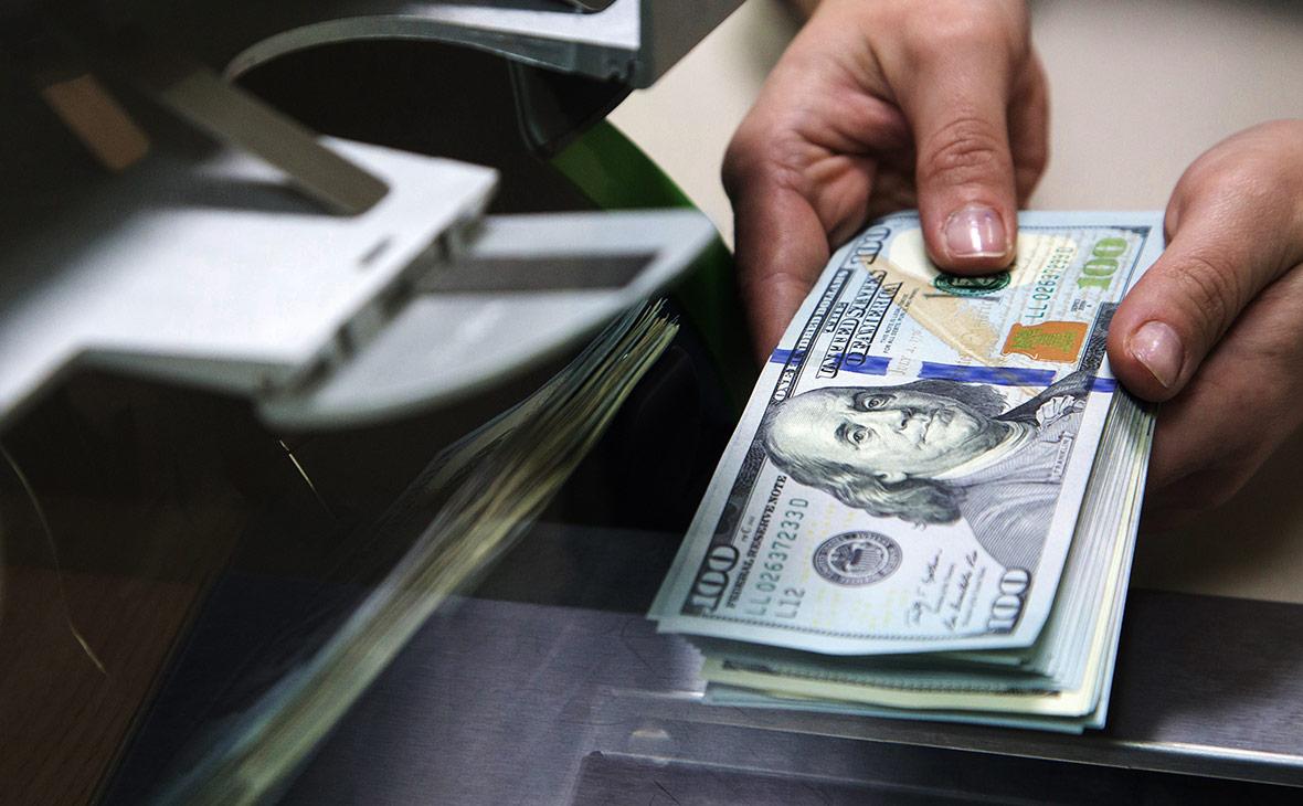 Компании за месяц забрали из госбанков $7,5 млрд