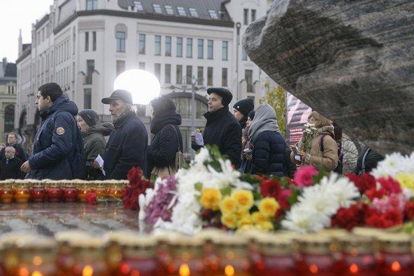 В центре Москвы вспомнили жертв политических репрессий. Фоторепортаж