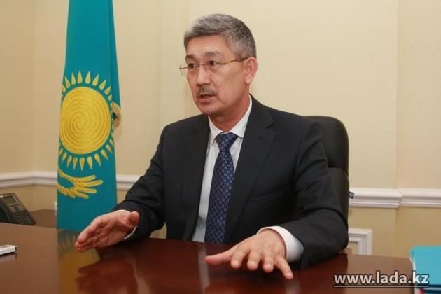 Аким Актау ушел вдепутаты