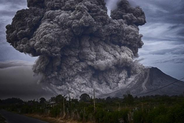 НаБали из-за вулкана продлен режимЧС