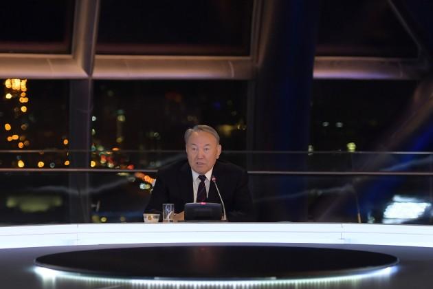Нурсултан Назарбаев прокомментировал громкие коррупционные скандалы