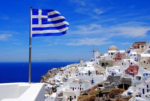 ВГреции приняли бюджет на2018год