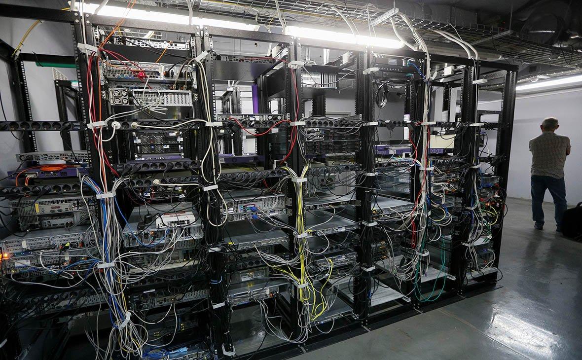 СМИ узнали о возможном исключении сетей топ-менеджеров из «закона Яровой»