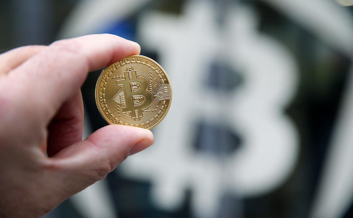 Кировских наркотоговцев поймали на отмывании денег через биткоины