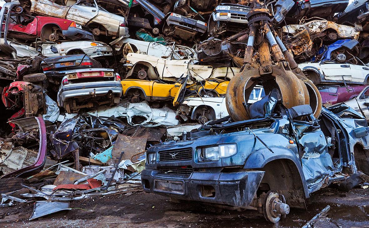«Коммерсантъ» узнал о планах удвоить утилизационный сбор на автомобили
