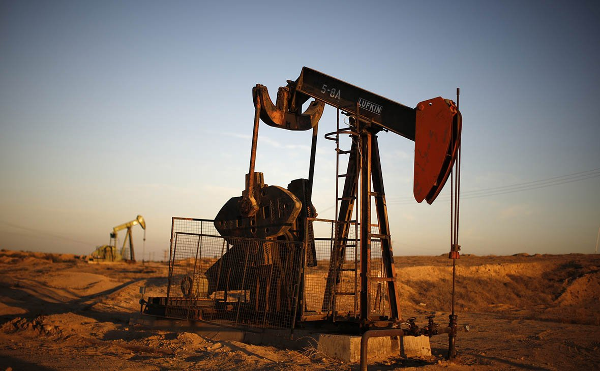 Цена барреля нефти Brent превысила $65 впервые с июня 2015 года