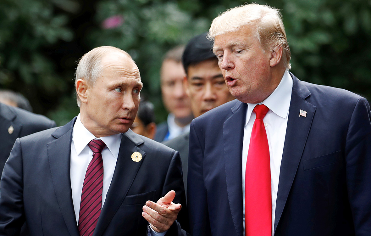 Путин и Трамп обсудили по телефону урегулирование ситуации с КНДР