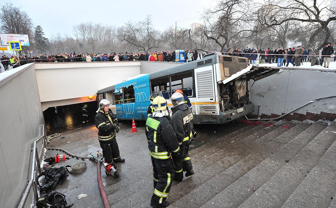 Опознаны двое погибших при наезде автобуса на пешеходов в Москве