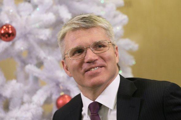 Белые зарплаты: сколько в 2016 году получали российские министры