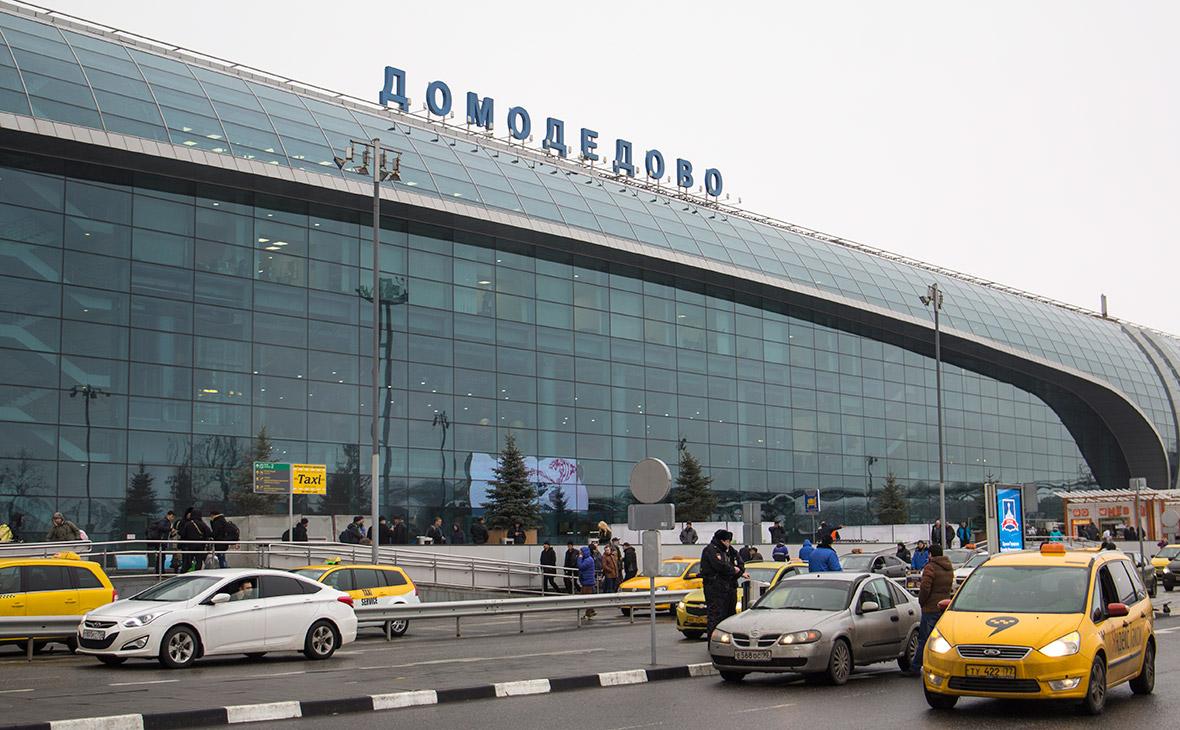 ФАС пригрозила аэропортам Москвы жесточайшими штрафами за недопуск такси
