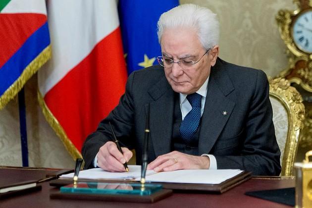 Италия распустила парламент