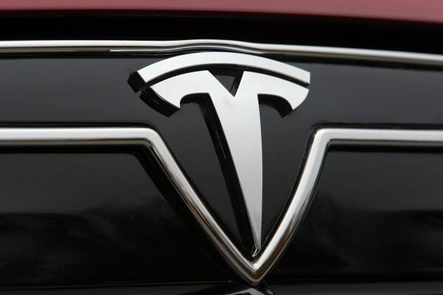 Германия лишила покупателей Tesla субсидий