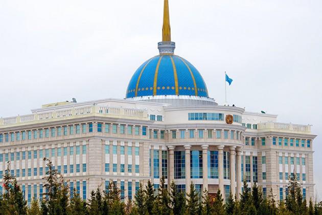 Нурсултан Назарабаев продолжает получать поздравления отколлег